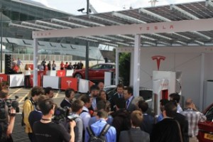 Tesla S launched in London